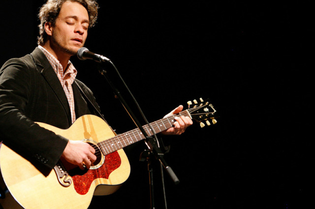 Amos Lee at Orpheum Theatre Boston